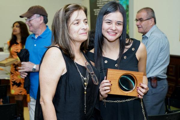 15-Galeria-entrega-de-la-6-version-del-Premio-Jorge-Bernal